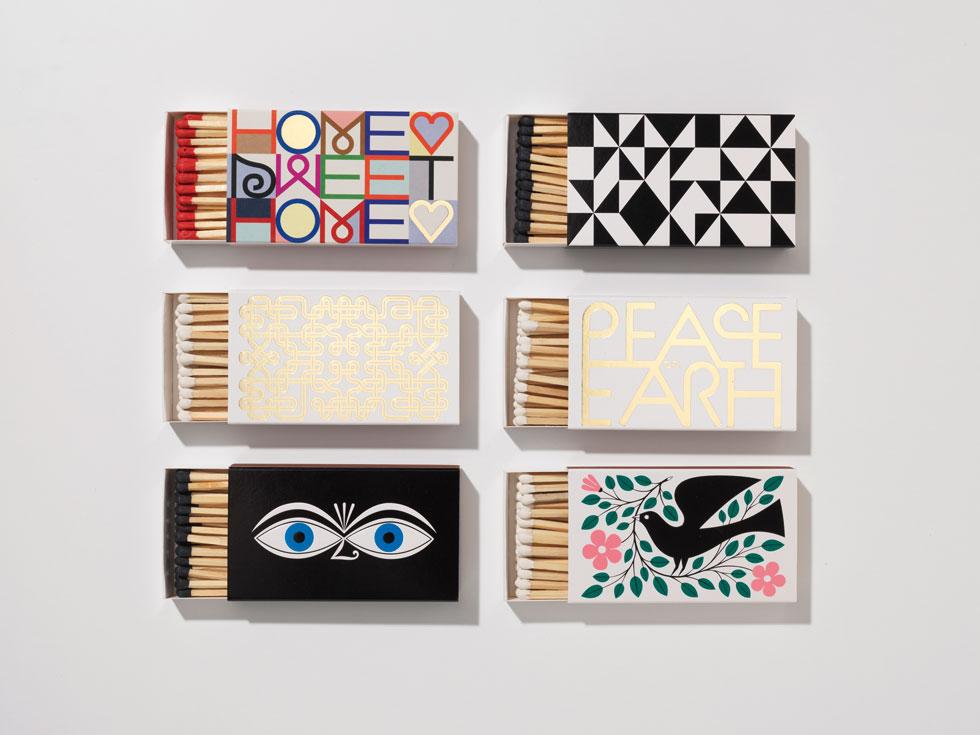 קולקציה של קופסאות גפרורים מבית VITRA השווייצית, שעוצבה כמחווה לאדריכל והמעצב האמריקאי אלכסנדר ג'ירארד (Creator Marc Eggimann, by Alexander Girard © Vitra, www.vitra.com)