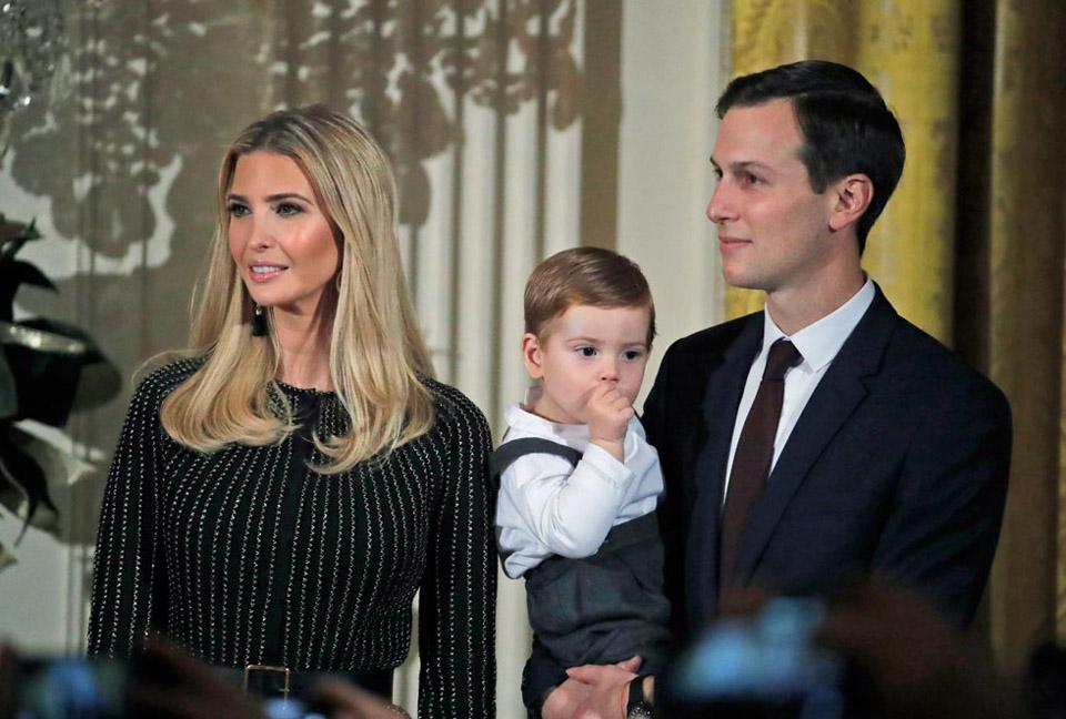 Иванка Трамп с мужем Джаредом Кушнером и сыном. Фото: АР