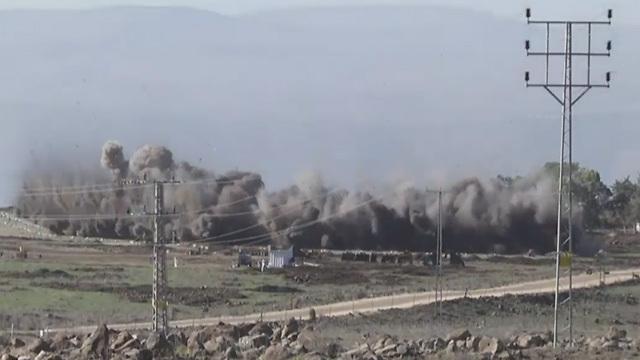 Taposó aknákat robbantottak fel a Golánon, hogy megtisztítva a földeket a polgári használatra átadják (videó)