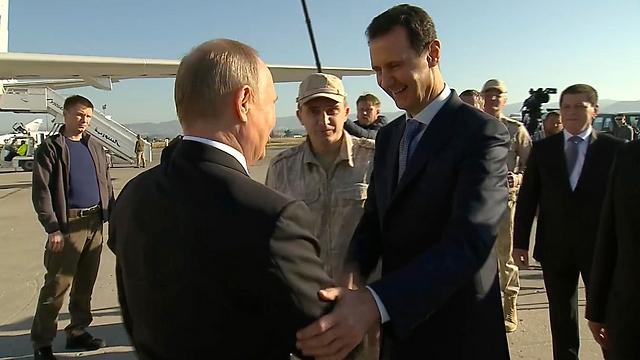 לפני קהיר: פגישה עם אסד בסוריה (צילום: AP, Presidential TV) (צילום: AP, Presidential TV)