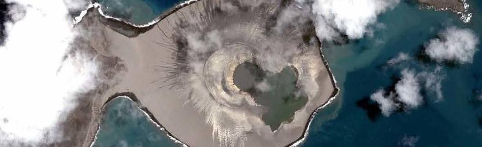 האי הקטנטן, במבט מלמעלה ()