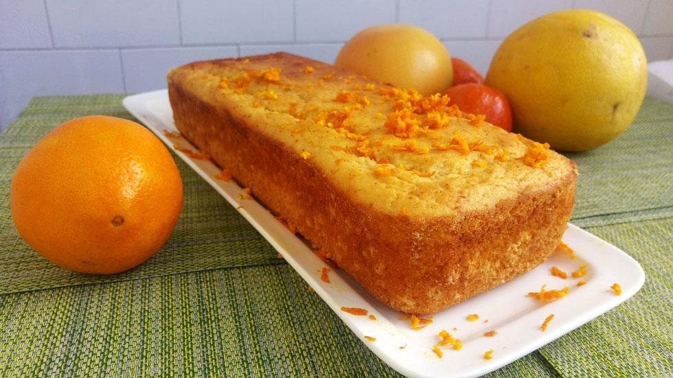 עוגה בחושה במעט עבודה ומרכיבים אבל עם המון טעם וריח (צילום: אבירם פלג)