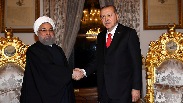 President of Iran Rouhani (L) with President of Turkey Erdogan (Photo: AP)