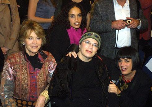 2002: בביקור פוליטי בישראל, עם אחינועם ניני (צילום: Gettyimages)