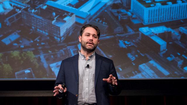 ג'סטין הנדריקס (צילום: מתוך אירוע Exploring Future Reality של NYC Media Lab)