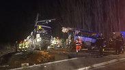 """צרפת: ילדים הרוגים בהתנגשות בין אוטובוס בי""""ס לרכבת"""