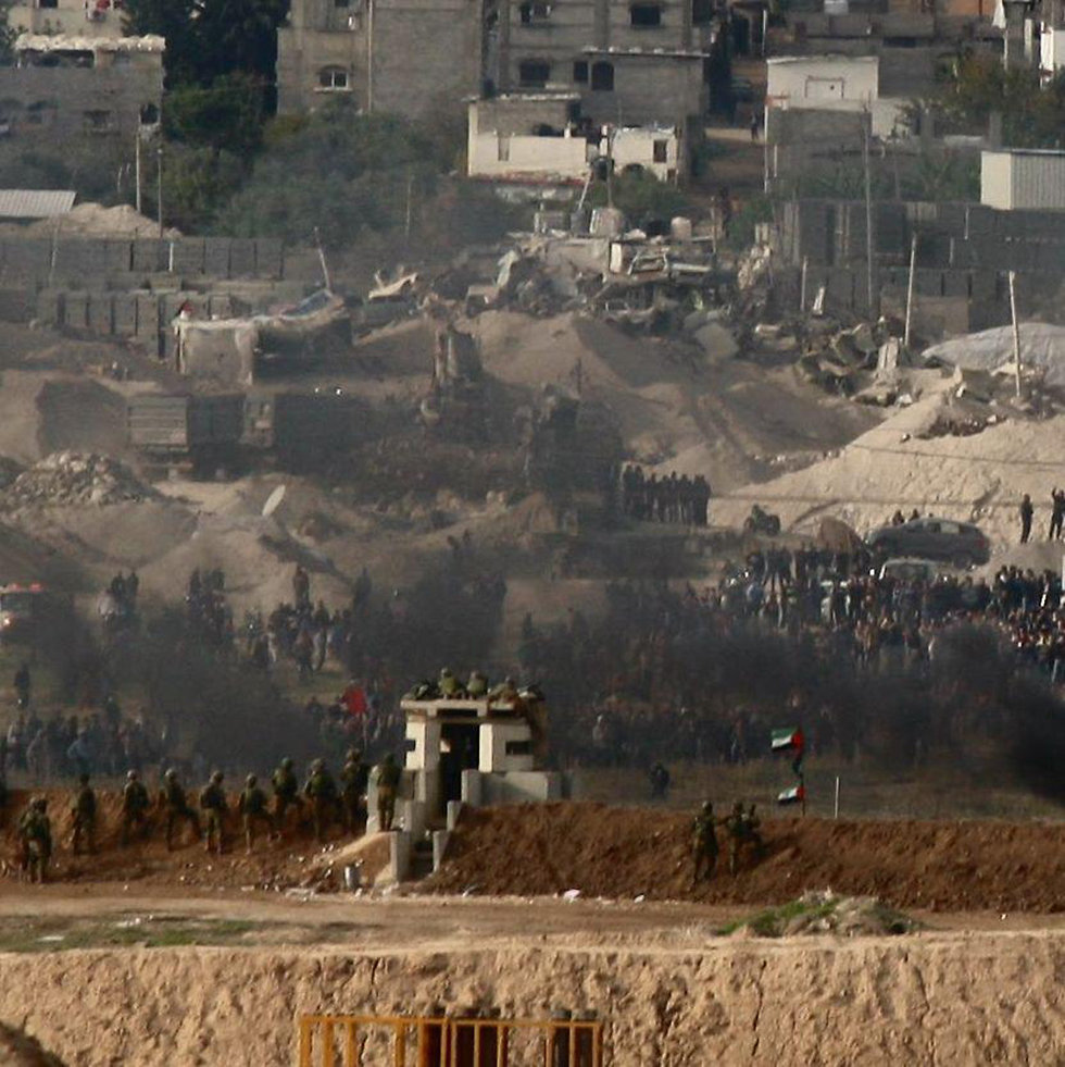 Clashes along Gaza border (Photo: Roee Idan)