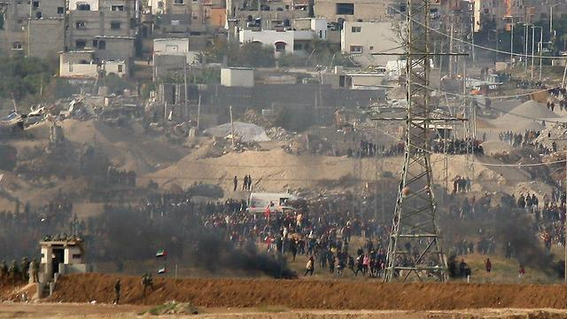 Hamas organizes the protests but fails to intervene when the IDF responds  (Photo: Roee Idan)