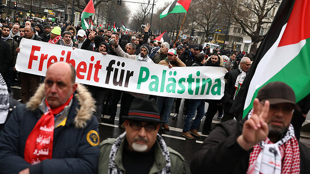 Anti-Israel protest in Berlin (Photo: Reuters)