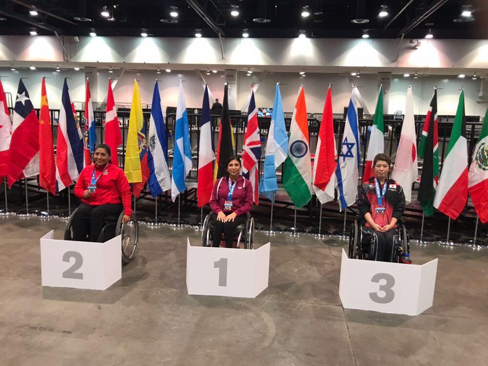 קרוליין טביב (במרכז) עם המדליה (צילום: באדיבות הוועד הפראלימפי) (צילום: באדיבות הוועד הפראלימפי)