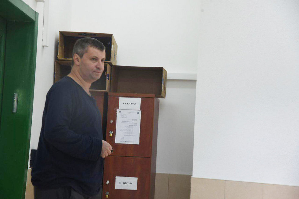 Former minister Stas Misezhnikov arrives in prison (Photo: Avihu Shapira)