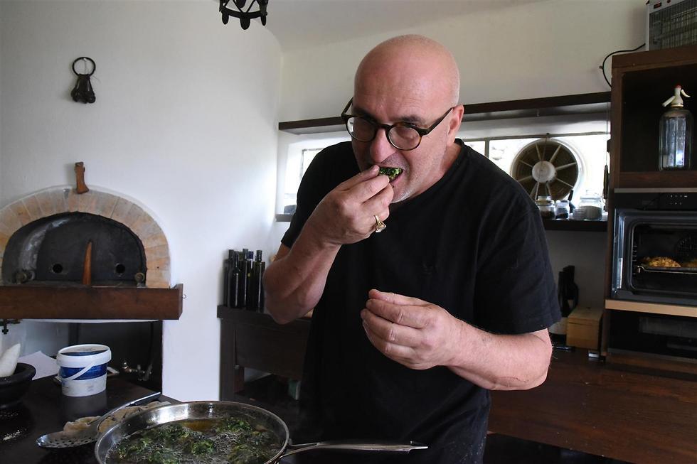 שף ארז קומרובסקי. מלבב לביבות (צילום: אביהו שפירא) (צילום: אביהו שפירא)