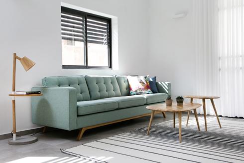 הסלון והחדר השינה החליפו מקום (צילום: שירן כרמל)