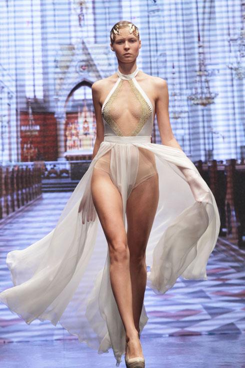 התצוגה הראשונה של אלון ליבנה בשבוע האופנה בתל אביב, 2011 (צילום: גיל לרנר)