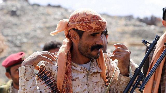 לוחם בתימן שנלחם יחד עם הסעודים נגד החות'ים (צילום: AFP) (צילום: AFP)