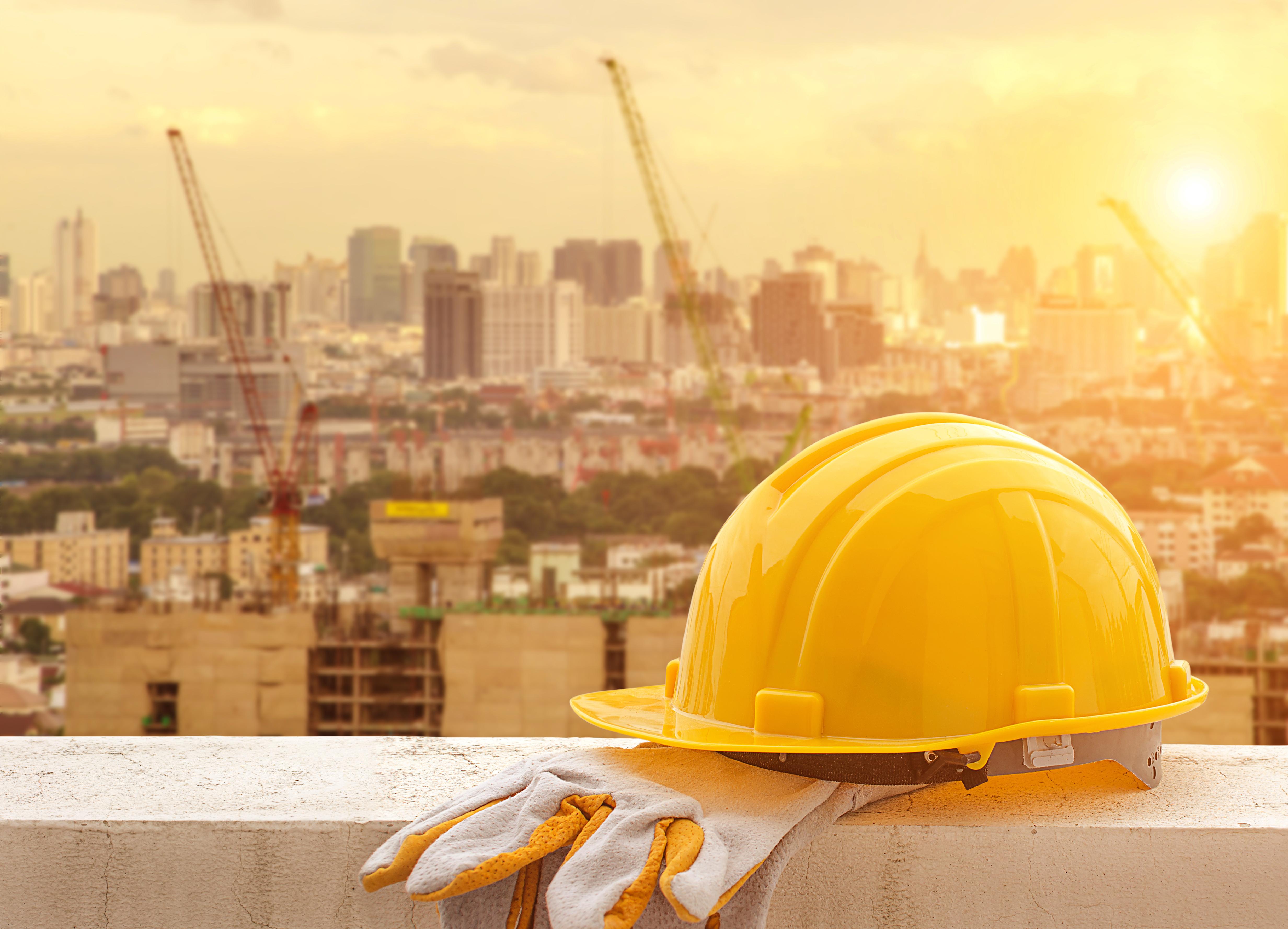 Строители прибыли. Фото: shutterstock
