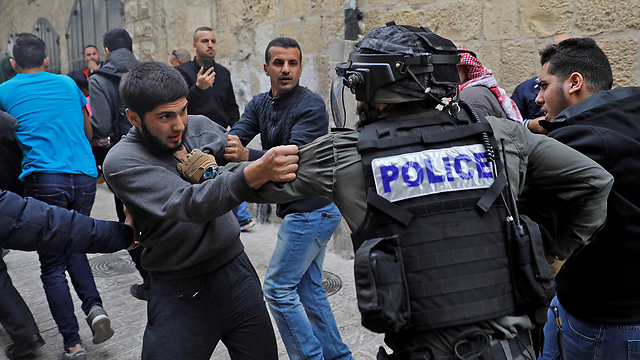 Palestinians clash with Israeli forces in the West Bank (Photo: AFP)