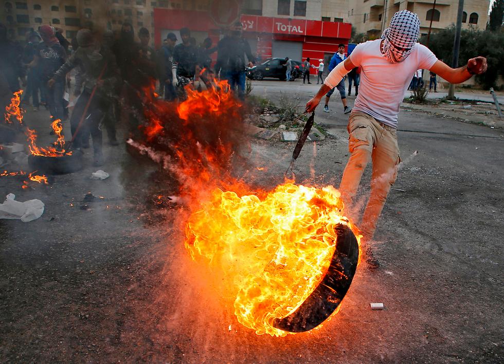 Jeruzsálem státusza – Meghalt két palesztin a pénteki ima utáni zavargásokban
