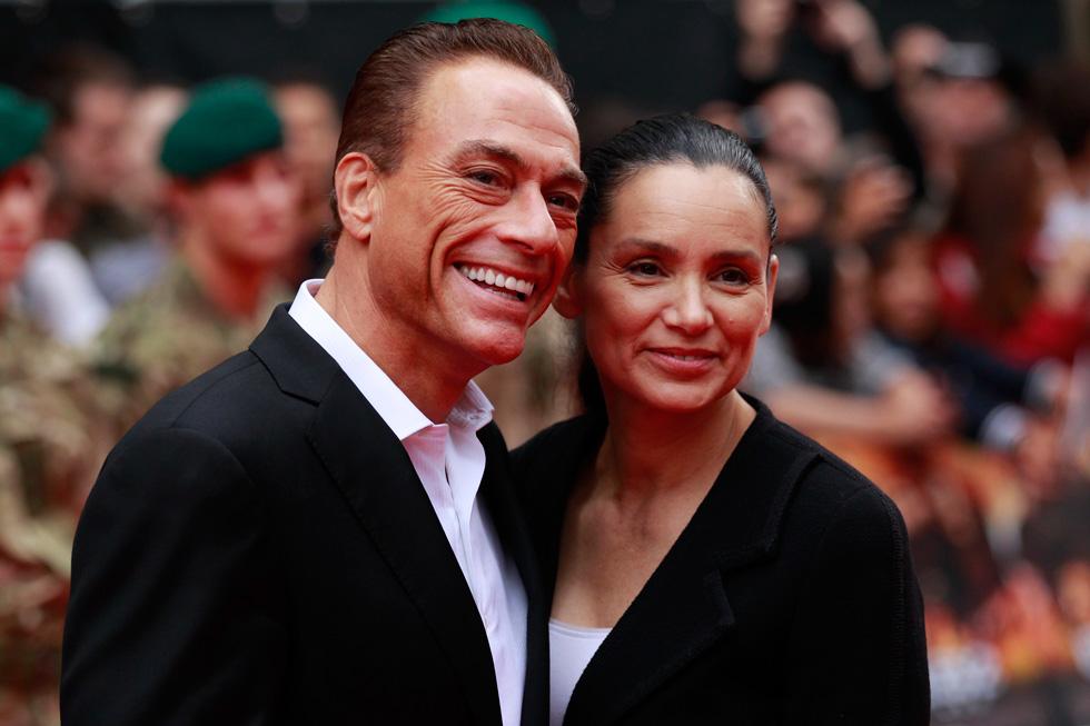עם אשתו השלישית, גלאדיס פורטוגיז, לה נישא בשנית אחרי שהתגרש מאשתו הרביעית (כן, זה מסובך) (צילום: AP)