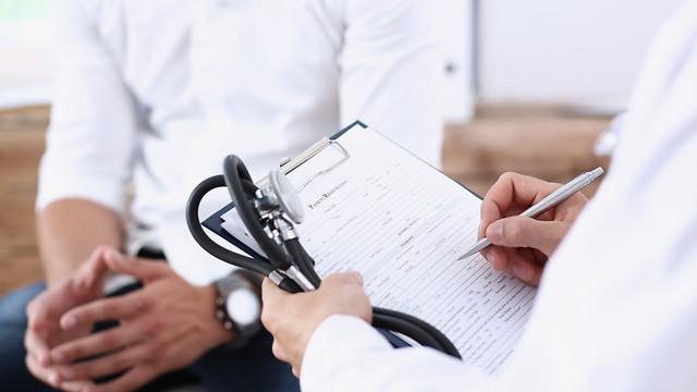לקחת ברצינות את ההמלצות הרפואיות (צילום: shutterstock) (צילום: shutterstock)