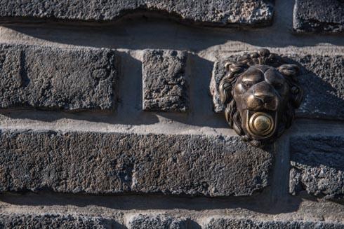 פעמון הכניסה (צילום: גלעד רדט)