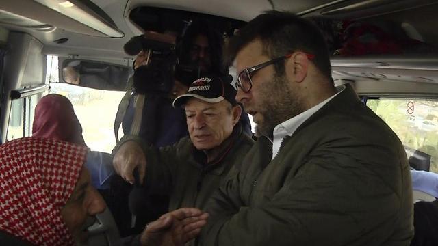 Oren Hazan confronts prisoners' families
