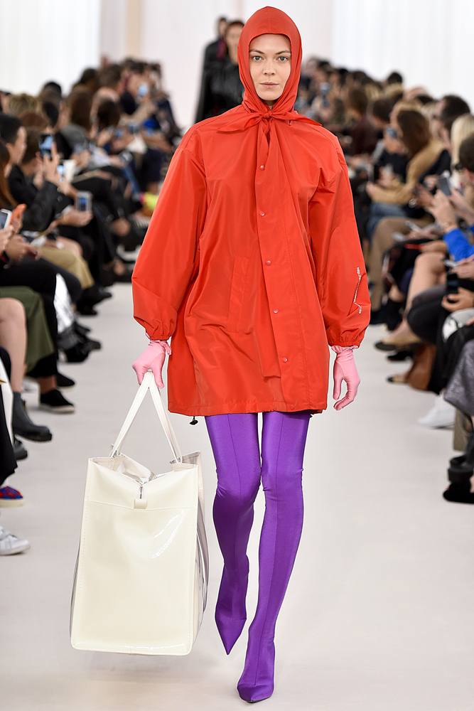 Balenciaga, коллекция 2016 года. Фото:FashionStock.com shutterstock