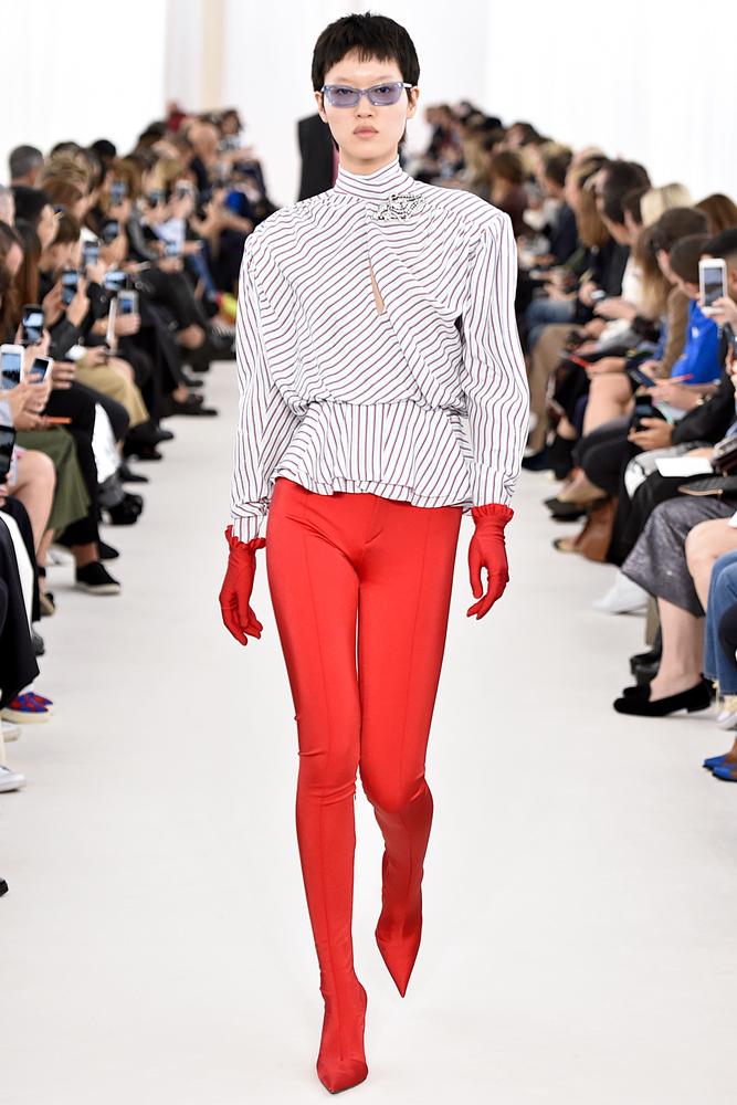 Знаменитые сапоги-чулки от Balenciaga. Фото: FashionStock.com shutterstock