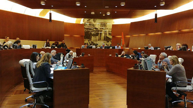 The Rishon LeZion city council discusses the amendment to the bylaw (Photo: Rishon LeZion municipality)