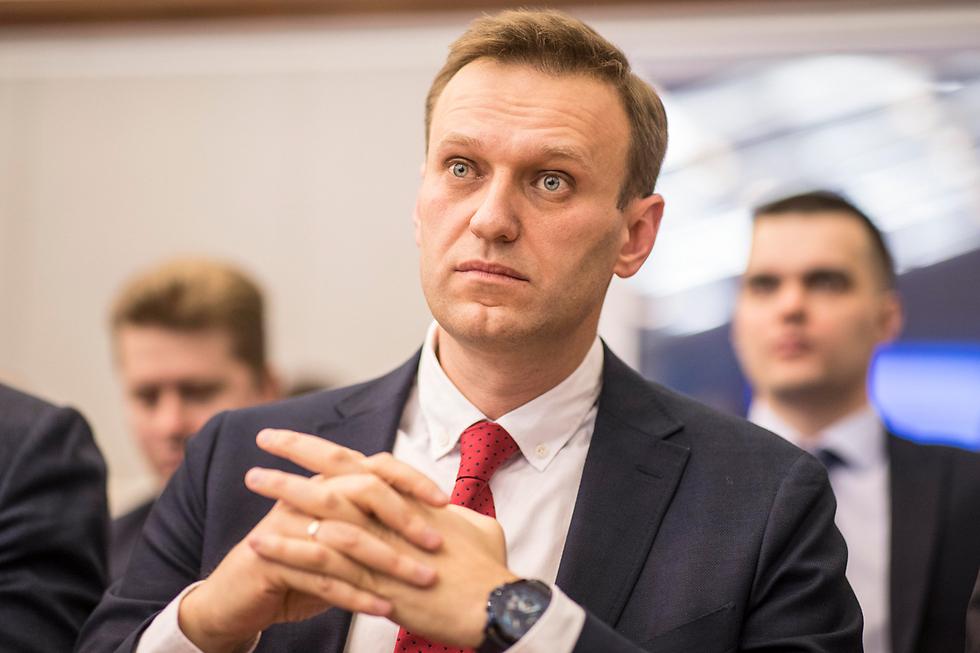 נבלני בדיון בוועדת הבחירות במוסקבה (צילום: EPA) (צילום: EPA)