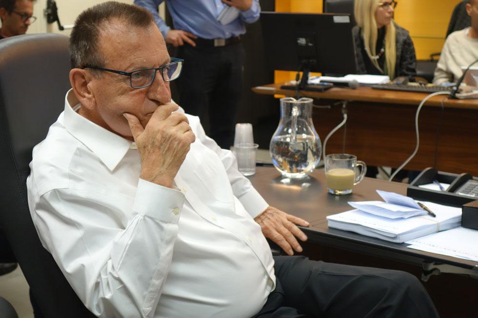 ראש עיריית ת''א-יפו, רון חולדאי, בישיבת המועצה השבוע: ''אי אפשר לפתוח את הים בלי מחיר. אפשר להתווכח על התוכנית ואפשר גם להחליט שמשאירים את הכיכר בשממונה'' (צילום: מיכאל יעקובסון)