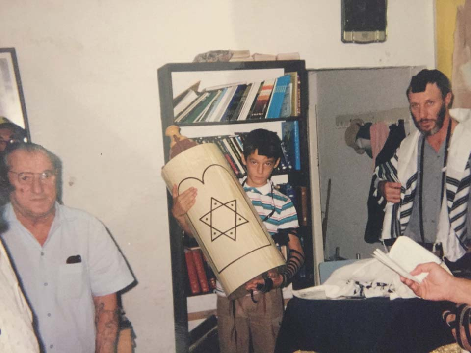 Михаэль Чебунин отмечает бар-мицву. Фото из семейного архива