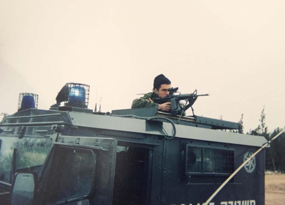 Михаэль во время службы в ЦАХАЛе. Фото из личного архива