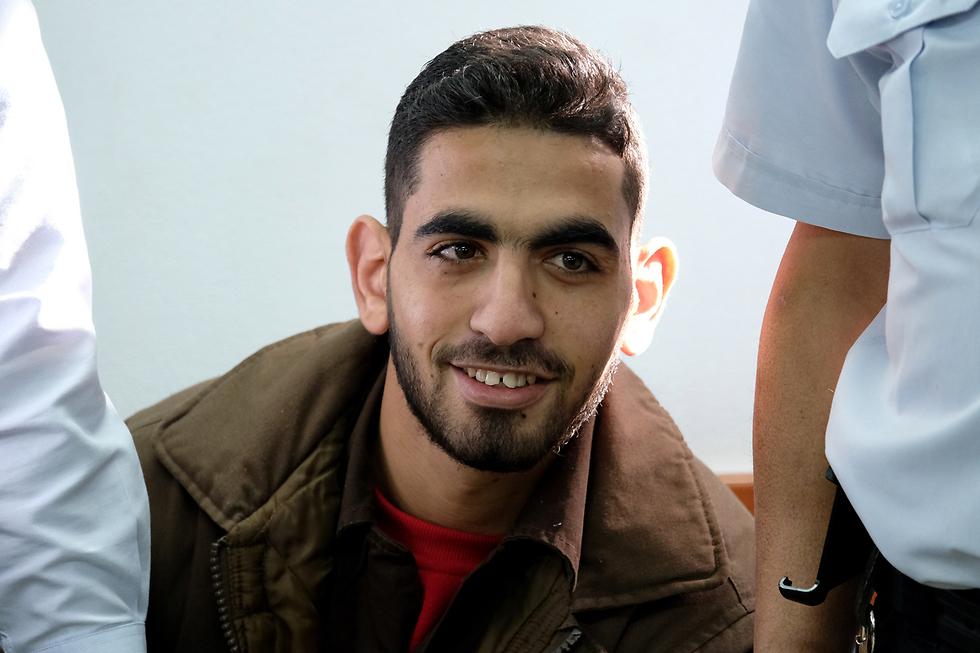 המחבל עומר אל-עבד בבית המשפט הצבאי (צילום: יואב דודקביץ) (צילום: יואב דודקביץ)
