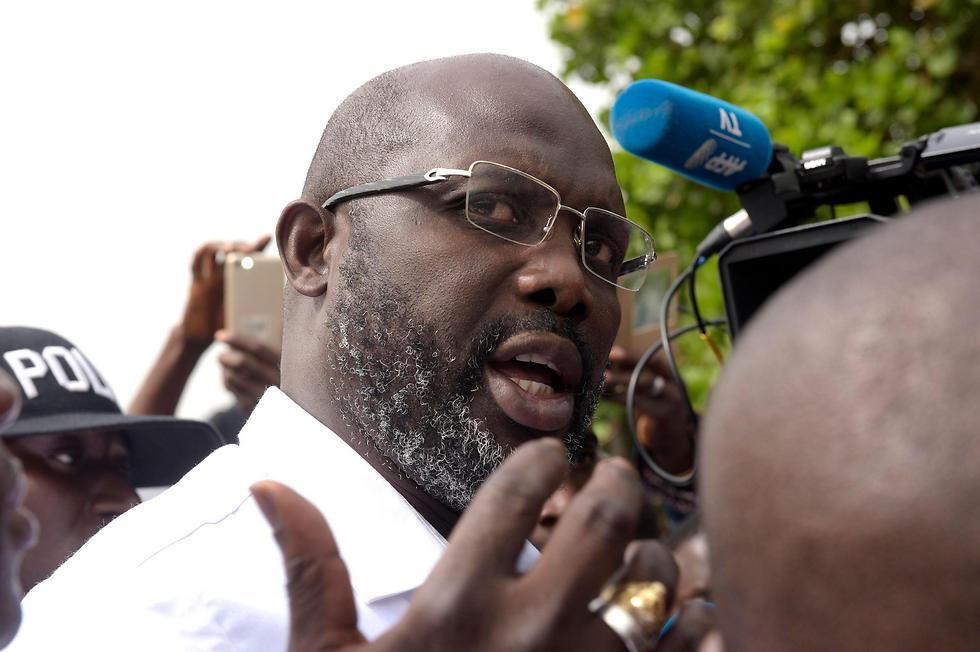 וואה במהלך קמפיין הבחירות. לייצב את הדמוקרטיה (צילום: AFP) (צילום: AFP)