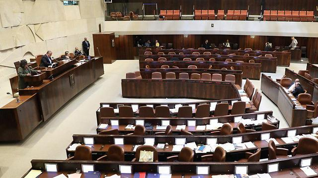 The Knesset plenum during the filibuster against the Recommendations Law last week (Photo: Hadas Parush/Knesset Spokesman's Office)