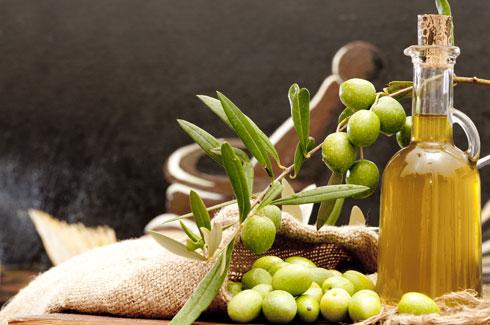 דיאטה ים תיכונית: הרבה שמן זית (צילום: Shutterstock)