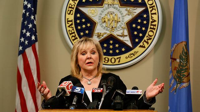 מתכוננת להשבתן של ההוצאות להורג. מושלת אוקלהומה מרי פלין (צילום: AP) (צילום: AP)