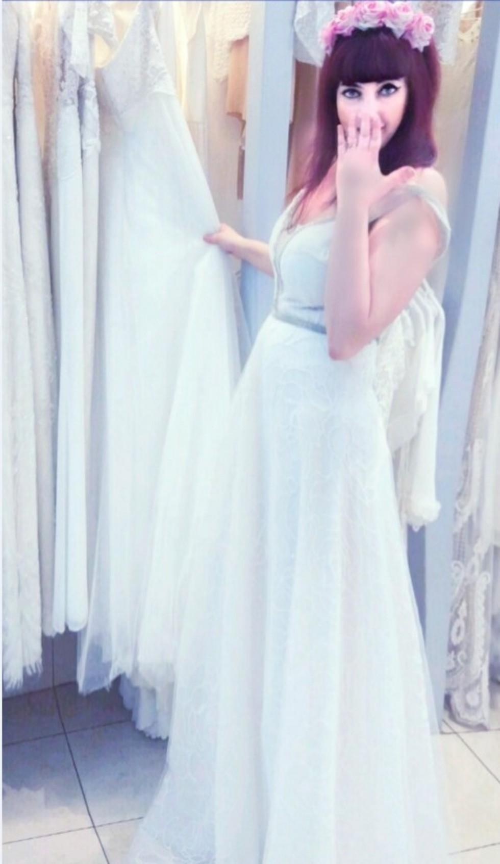 מי צריך חתן? ענבל חייט (צילום: מאיה בניטה מרקס, עיצוב שמלת כלה: יעקב דוק)