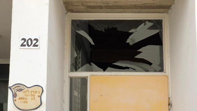 Damage caused by mortar shell (Photo: Yedidya Harush, TPS)