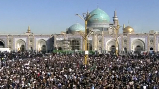 A pro-regime rally in Mashhad (Photo: Reuters)