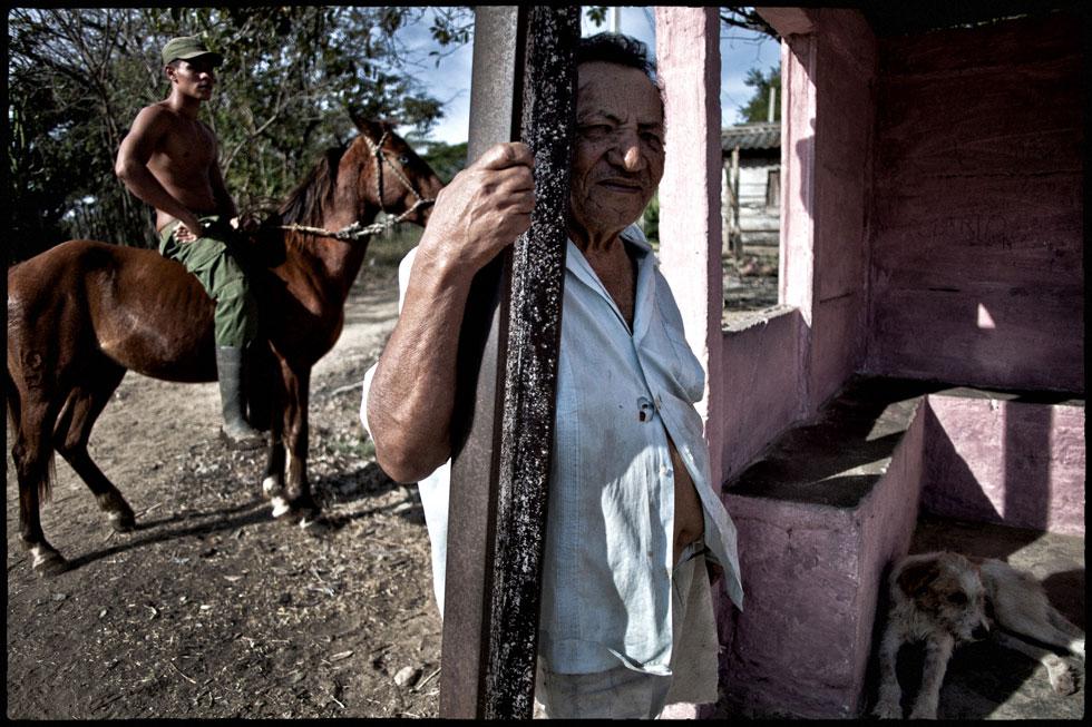 """צולם בקובה. """"אין דבר שאני אוהבת יותר מצילום"""" (צילום: ורד שדות)"""