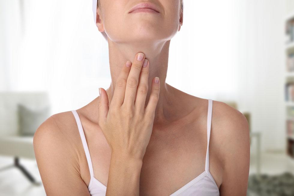 בלוטת התריס נמצאת בחלק הקדמי של הצוואר (צילום: Shutterstock)
