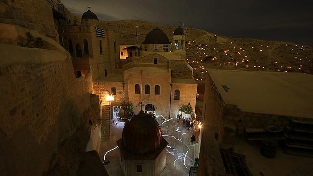 ועוד קצת מהמראה המרהיב של הנרות בלילה (צילום: רון פלד) (צילום: רון פלד)