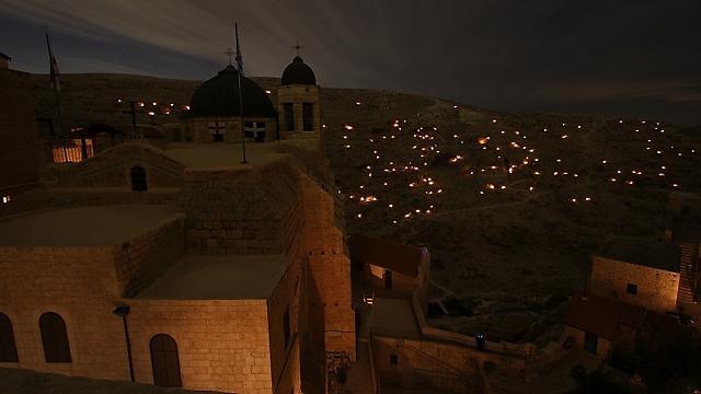 הנרות והמדבר (צילום: רון פלד) (צילום: רון פלד)