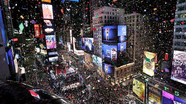 A splendent Times Square (Photo: AP)