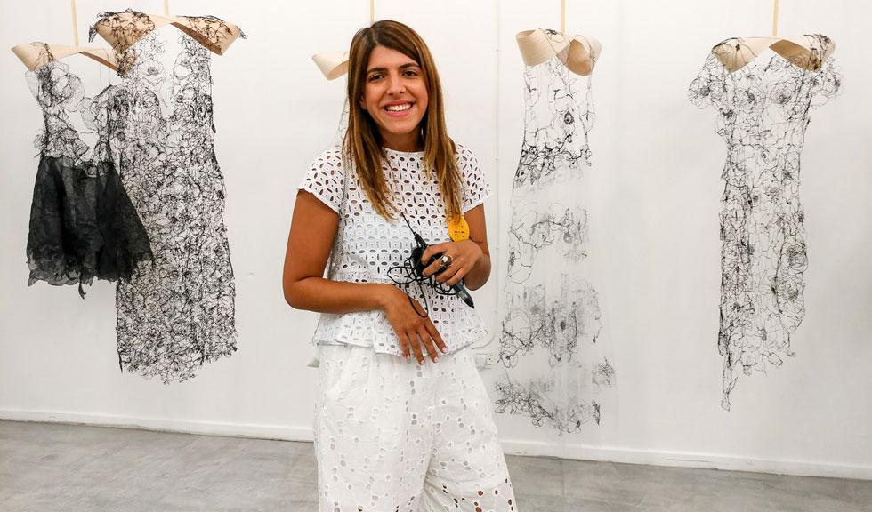 עדן סעדון. פרויקט הגמר שלה -  מלבושי תחרה המצוירים בעט תלת מימד - זכה  להתעניינות עולמית (צילום: דורון שרצקי)