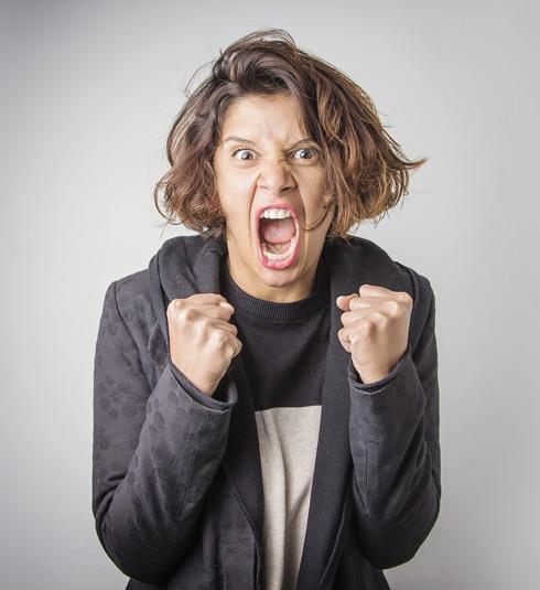 """בדורות קודמים נשים המציאו כל מיני מילים חמודות: שדומות לקללות, אבל לא ממש (בדומה ל""""כוס סודה"""" בעברית), כדי להימנע מלהשתמש בקללות אמיתיות (צילום: Shutterstock)"""