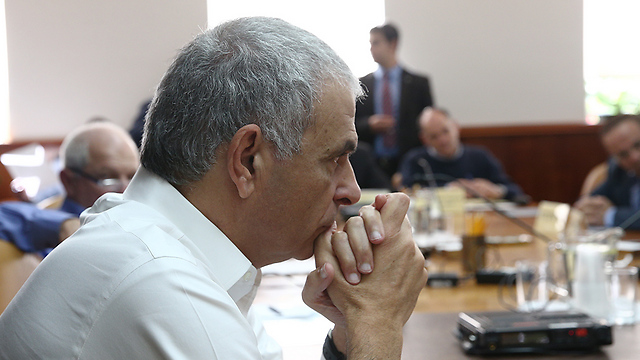 Finance Minister Moshe Kahlon during a government meeting (Photo: Ohad Zwigenberg)