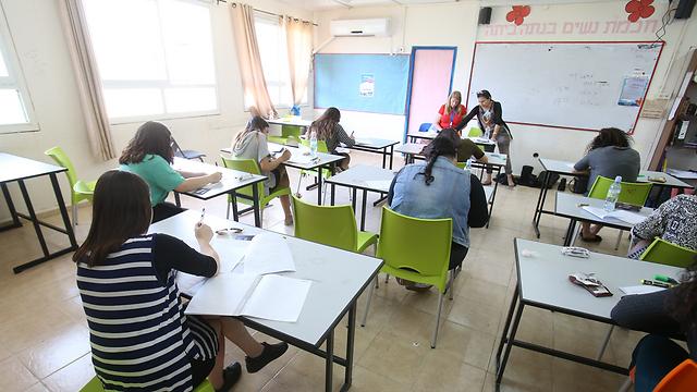 Экзамен в школе. Фото:Эльад Гершгорн